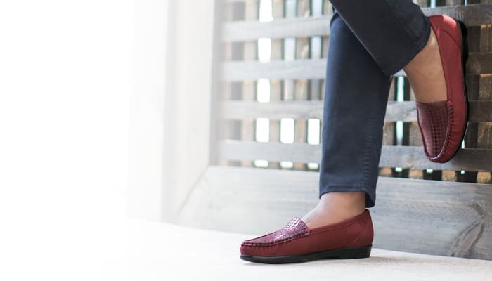 Women's Simplify Slip On Loafer