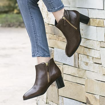 Women's Delia Low Boot